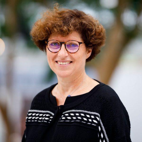 Marion Leboyer, directrice du département médico-universitaire de psychiatrie et d'addictologie de l'hôpital Henri-Mondor (AP-HP) et de la Fondation FondaMental, alerte sur la santé mentale..