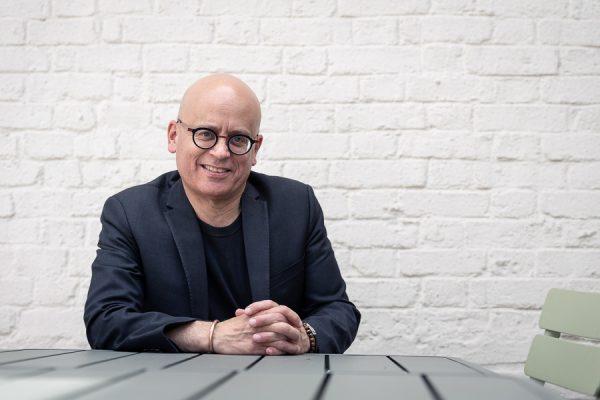 Serge Guérin, sociologue, professeur à l'Inseec. Interview sur le care.